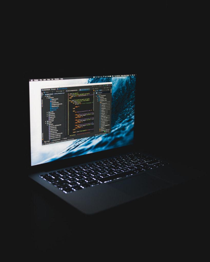 ingegneria sociale laptop