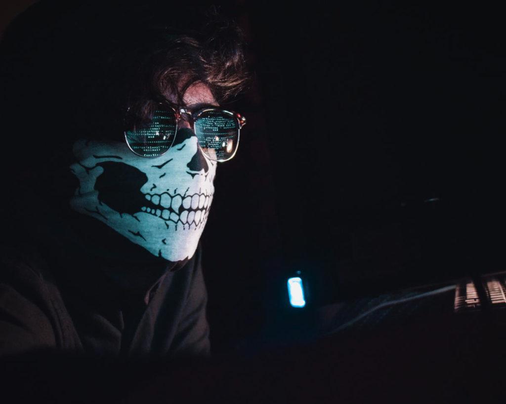 ingegneria sociale hacker