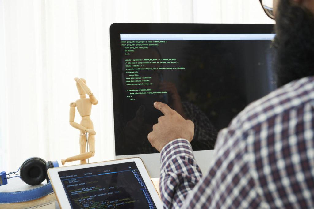cyber threat hunting Monitor