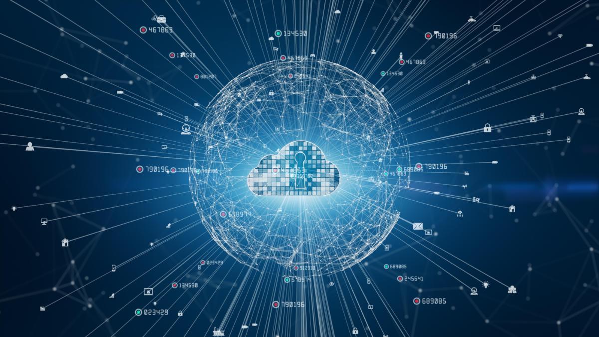 """Le applicazioni di Cyber Threat Analytics monitorano i log di sicurezza e il network per rilevare in maniera tempestiva eventuali infezioni malware (per esempio, gli attacchi zero day e i ransomware), la compromissione del sistema, le attività di """"lateral movement"""", pass-the-hash, pass-the-ticket e altre tecniche avanzate d'intrusione. L'uso di un SOCaaS permette di estrapolare dati da sorgenti come firewalls, proxy, VPN, IDS, DNS, endpoints, e da tutti i dispositivi connessi alla rete con lo scopo di identificare modelli dannosi come il """"beaconing"""", connessioni a domini generati digitalmente, azioni eseguite da robot e tutti i comportamenti anomali. Il nostro sistema SOCaaS è dotato di intelligenza artificiale che arricchisce e trasforma gli eventi SIEM, in modo da identificare le minacce nell'intero ambiente IT, includendo anche le applicazioni aziendali critiche.   ##Quali sono i vantaggi a livello aziendale? L'uso di un SOCaaS. Qui sotto è riportata una lista con soltanto alcuni dei vantaggi che l'uso di un SOCaaS può comportare:  •Rilevamento delle violazioni più rapido •Riduzione dell'impatto delle violazioni •Risposte e indagini complete sulle minacce •Minori costi di monitoraggio e gestione •Costi di conformità inferiori •Ricevere segnalazioni quantificate e non soggettive su minacce e rischi  ##Casi d'uso SOCaaS Dopo una panoramica generale sui vantaggi che potrebbe offrire all'azienda l'uso di un SOCaaS, vediamo in quali contesti viene normalmente impiegato: •Esecuzione anomala del programma  •Schema di traffico robotico indirizzato verso un sito Web dannoso, non classificato o sospetto •Connessioni a domini generati digitalmente •Query DNS insolite •Possibile attività di comando e controllo •Spike in byte verso destinazioni esterne •Modello di traffico insolito (applicazione/porta) •Rilevamenti di exploit •Agenti utente rari •Durata insolita della sessione •Connessioni a IP o domini nella blacklist •DDOS / attività di scansione delle porte •Numero anomalo"""